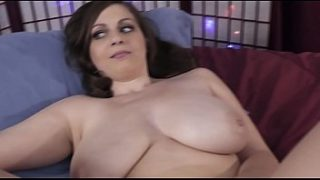 Jessica Roberts that's right the one with the big 32g titties  plays with her wet pussy
